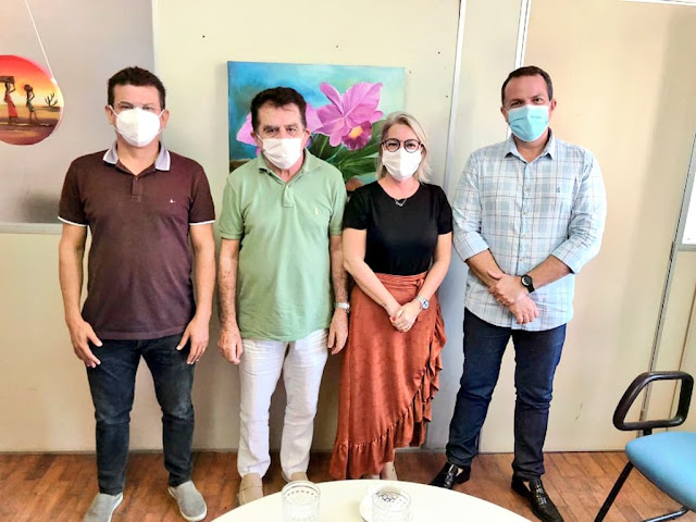 Prefeito Juninho Alves se reúne em Natal com a Sesap para viabilizar melhorias para a Saúde de Caraúbas