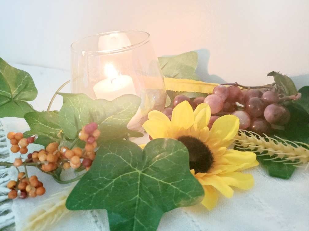 Lammas, altar, sabbat, Lughnasdah, August Eve, witchcraft, witchy, hedgewitch, pagan, neopagan, wiccan, wicca