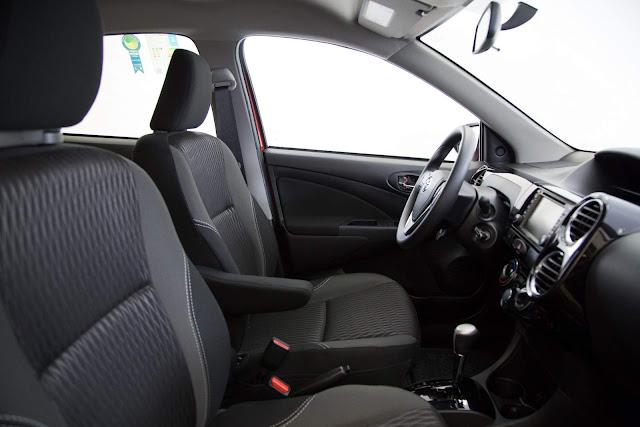 Toyota Etios Automático 2017