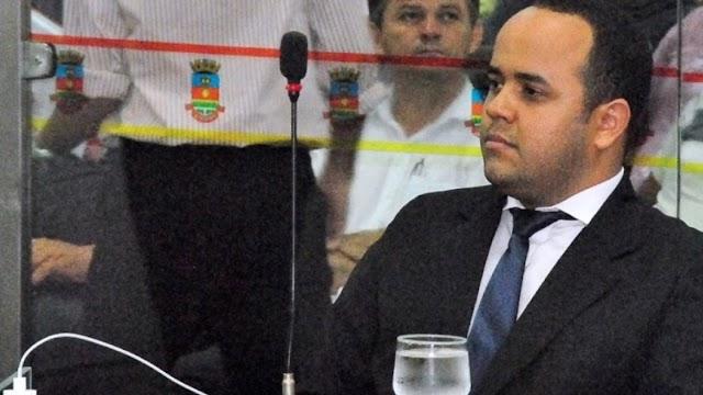 ACUSADO DE ESTELIONATO: Vereador de Sobral que prometia empregos em troca de dinheiro é preso em Natal