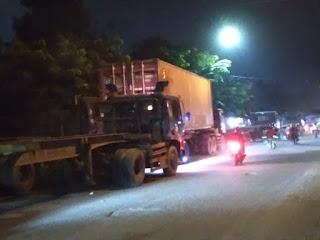 Warga Blokir Jalan Keluar Masuk Truk di Marelan.