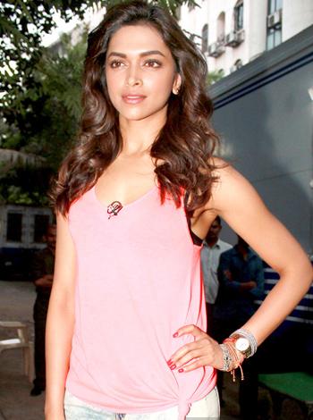 Deepika Padukone HD Wallpapers Free Download   Bollywood ...