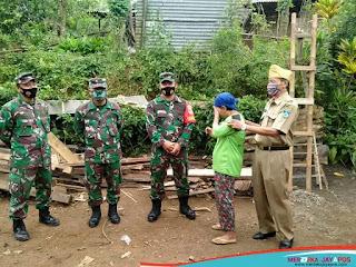 Tangis Bahagia Ibu Sutiman Melihat Rumahnya Telah Dibangun Personel Kodim 0719/Jepara