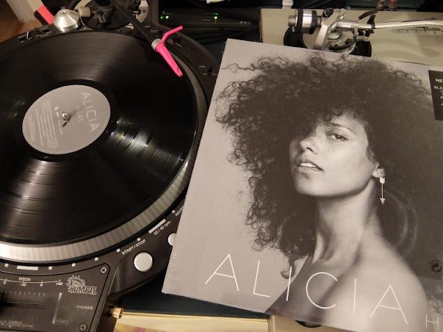「HERE / Alicia Keys」のレコードの写真です。