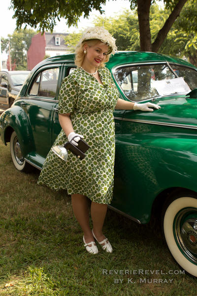 1950s plus size fashion green day dress and floral hat via Va-Voom Vintage