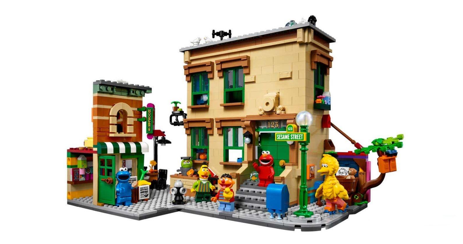 شارع سمسم أو افتح يا سمسم وشخصيات أنيس وبدر المرحة في مكعبات LEGO الجديدة