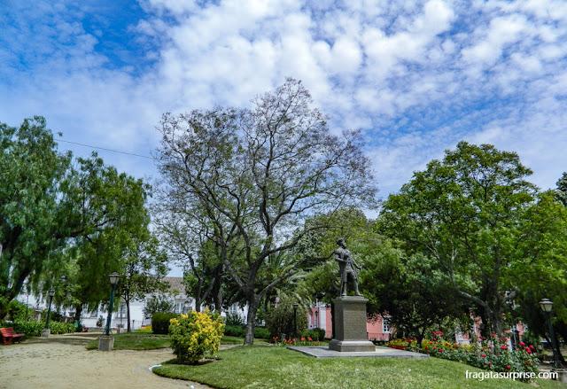 Estátua de Vasco da Gama no Jardim Público de Évora, Portugal