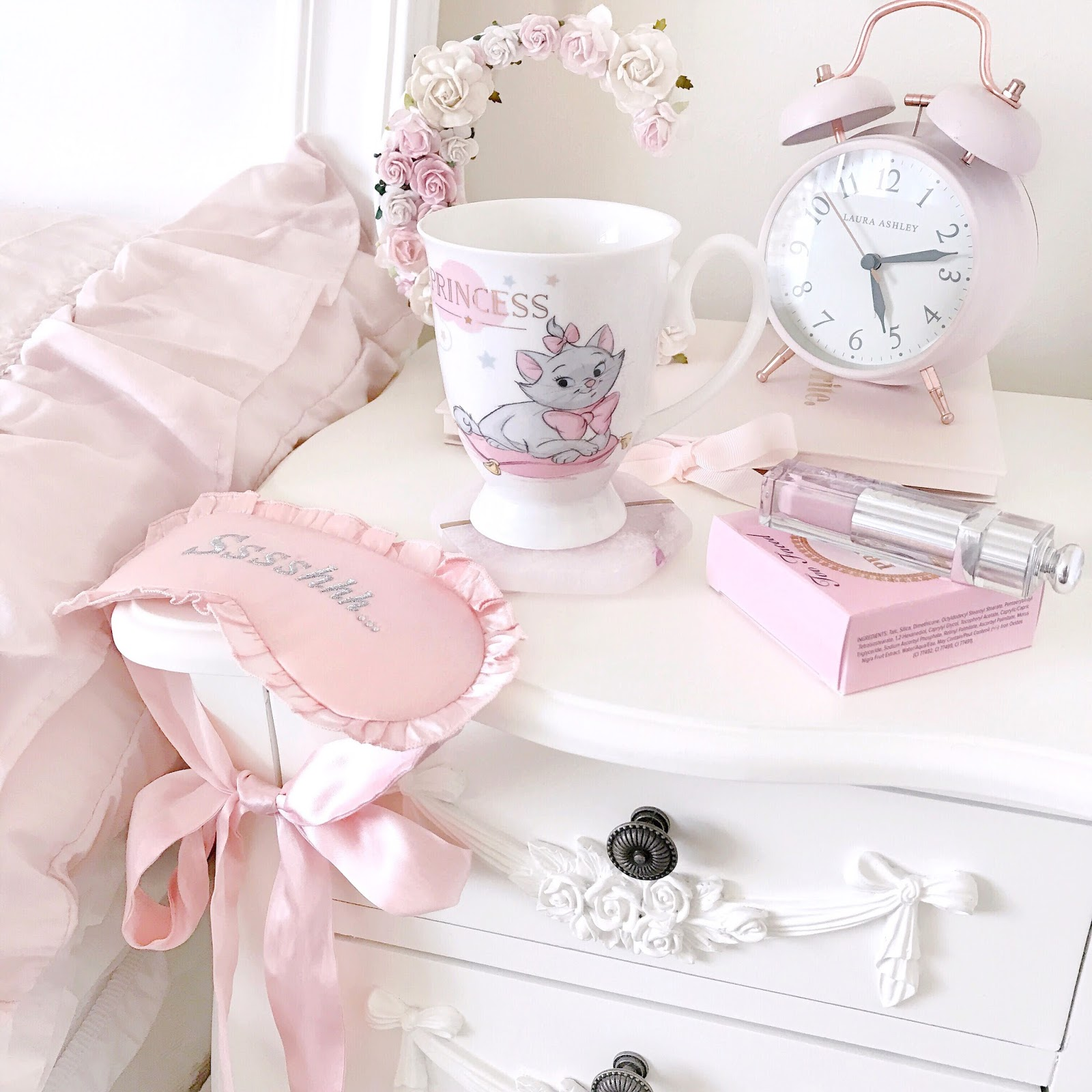 Pretty Bedside Details | Love, Catherine
