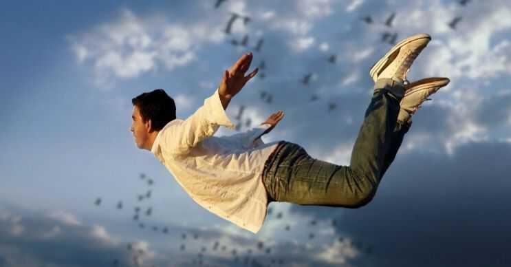 Uçan bir insan olmak için yer çekimsiz bir ortamda bulunmak yeterlidir.