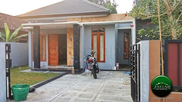 Rumah dekat Pusat Kota di jalan Kabupaten