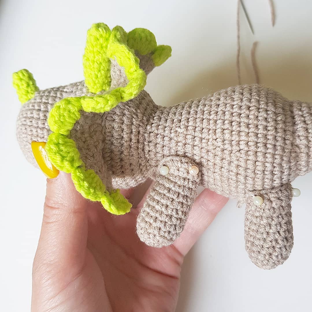 Crochet dinosaur assembly