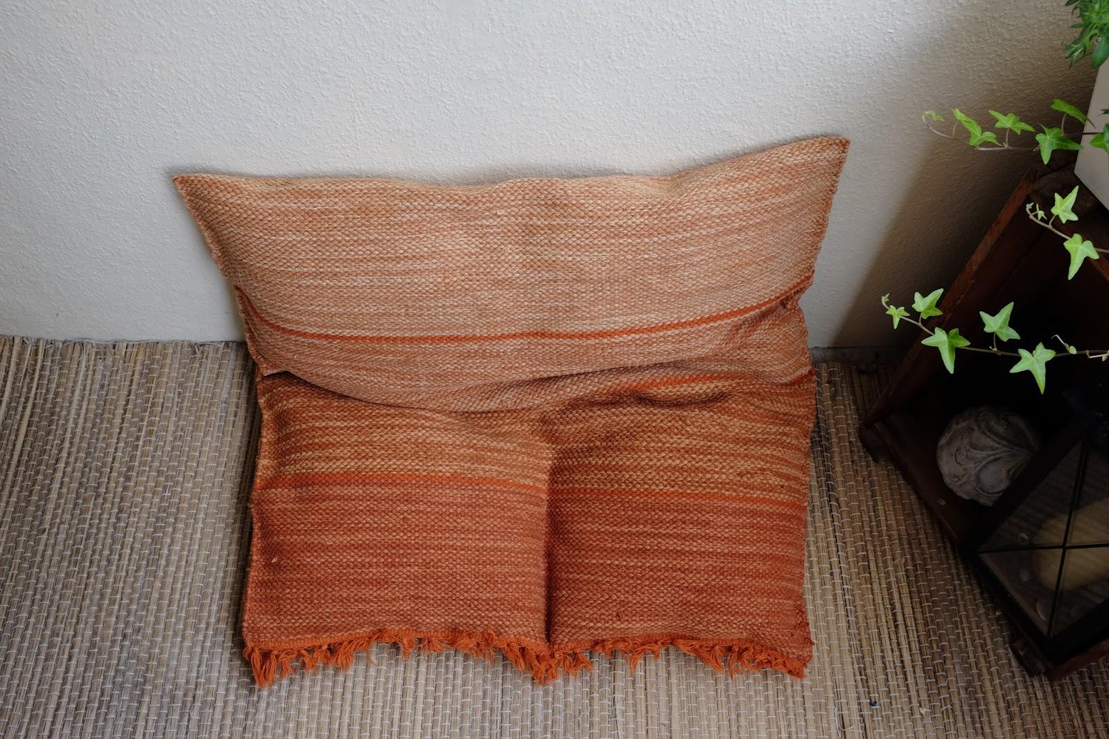 DIY Sitzkissen aus Teppich - Fuchsgestreift