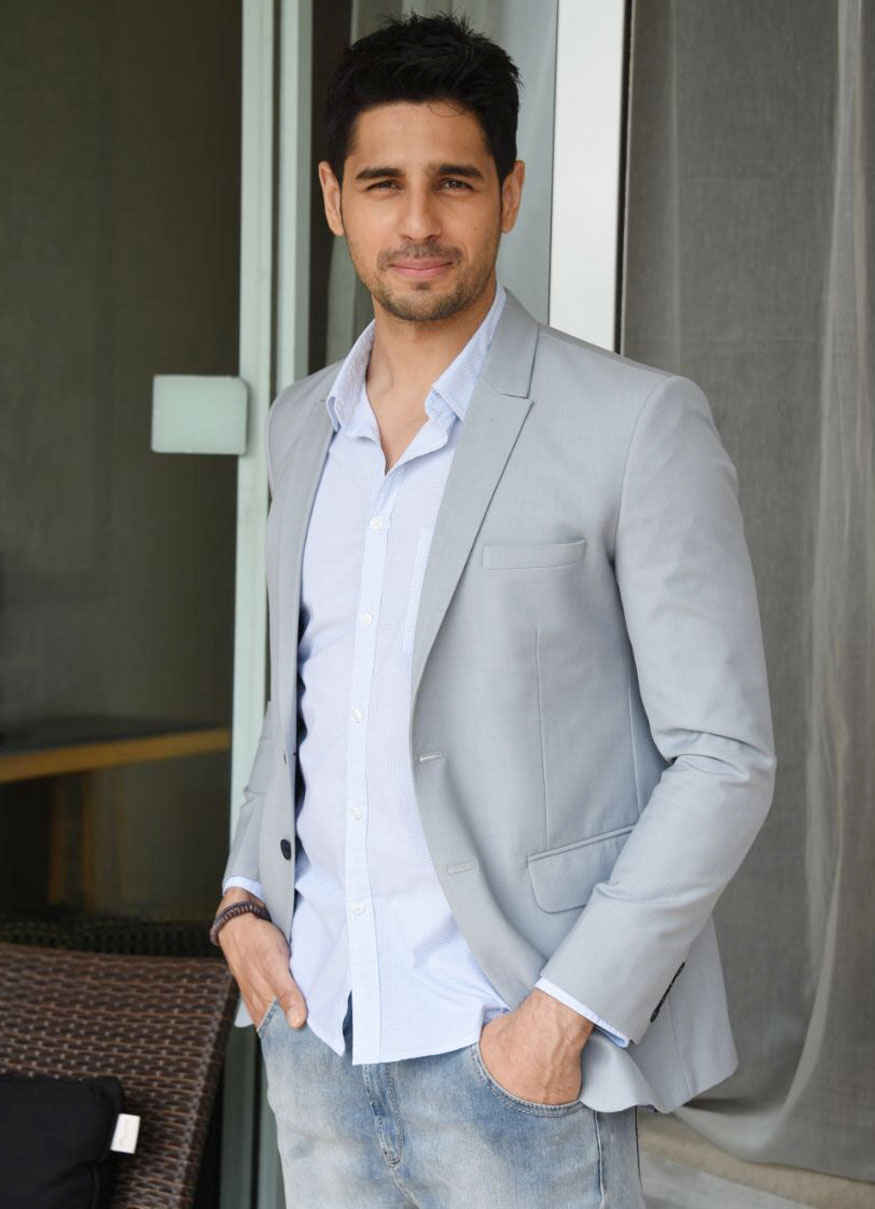 Sidharth Malhotra Promotion of His Upcoming film 'A Gentleman' in Pune