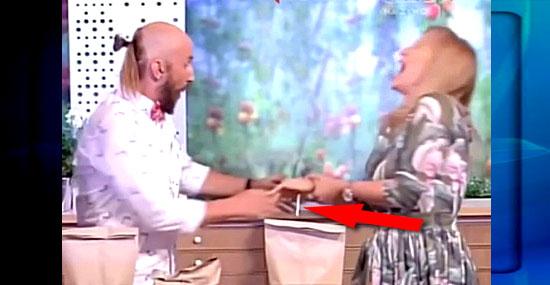 Mágica Fail - Truque falha e apresentadora de TV sai ferida
