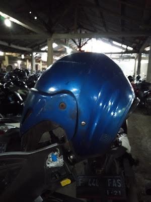 Saya Tidak Mau Ganti Helm Lagi