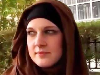 فرنسية مسلمة مقيمة بدبي تبحث عن زوج العمر 45 سنة فى الامارات العربية