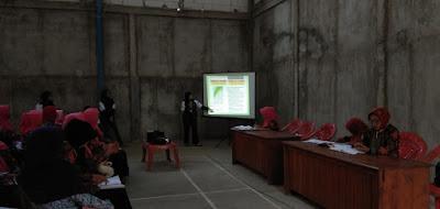 Tim II KKN Undip Desa Truwolu mengadakan pemberdayaan kader Posyandu
