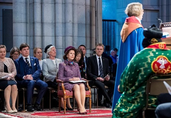 Uppsala University professor Karin Johannesson was ordained as a bishop to Uppsala Cathedral
