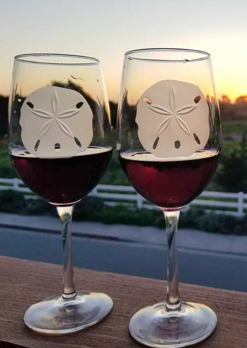 Etched Wine Glasses Coastal Sand Dollar