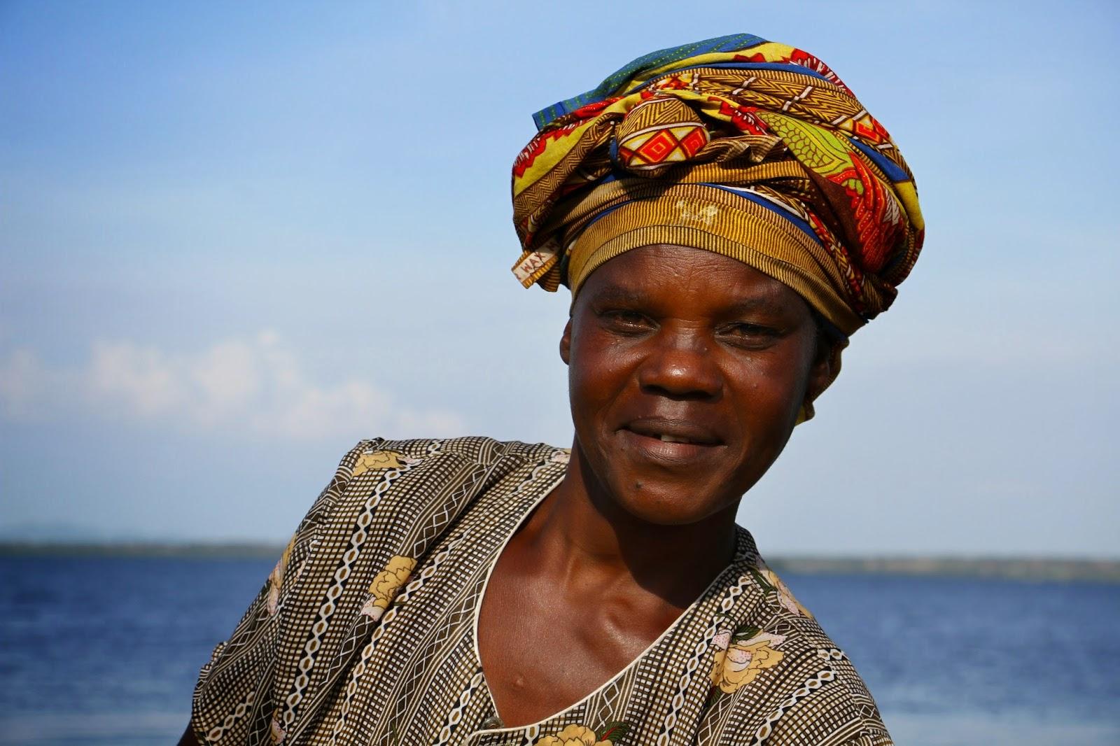 Nas margens do LAGO VITÓRIA pedalei e sorri (uma experiência fabulosa) | Tanzânia