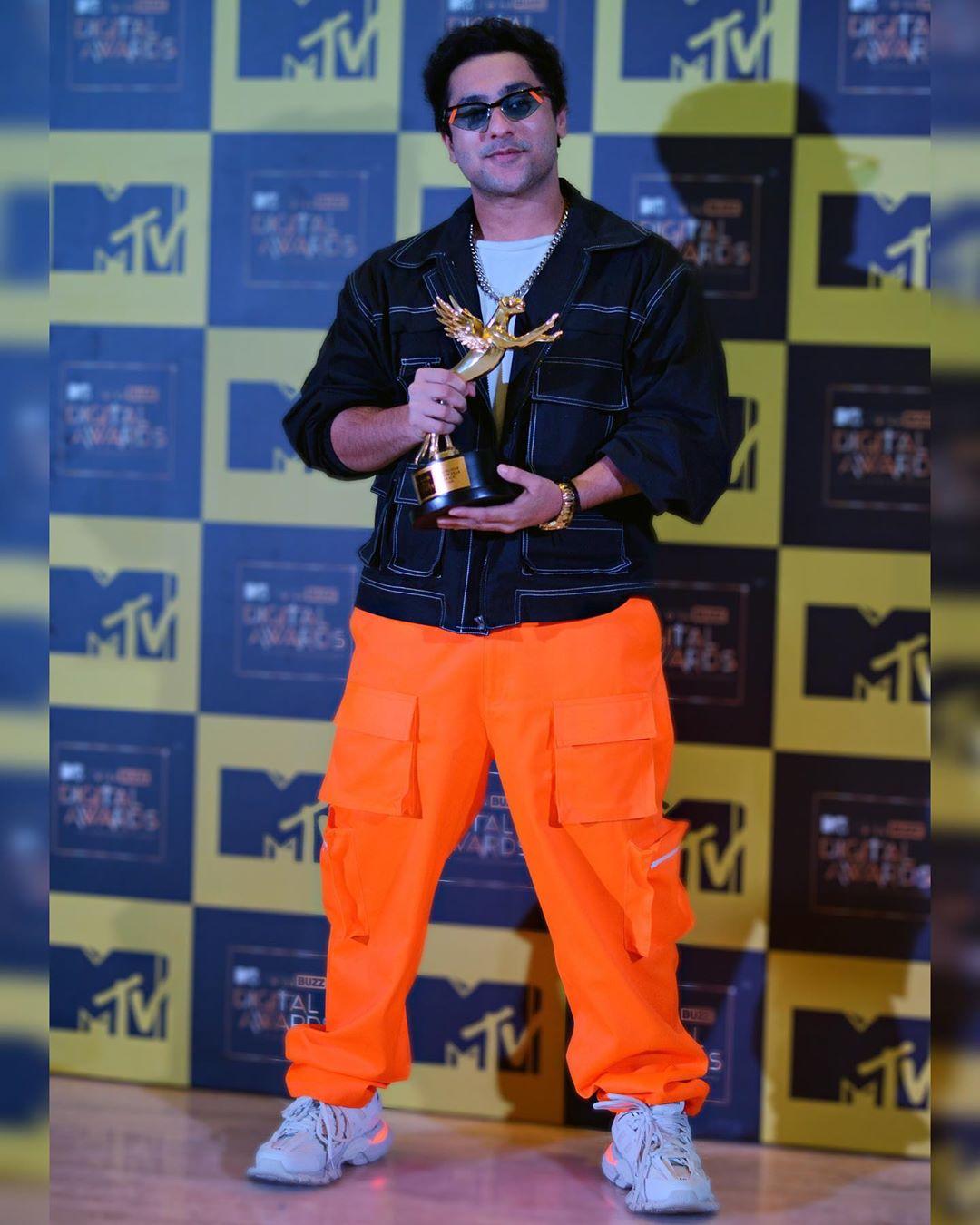 Harsh Beniwal in Rising star award
