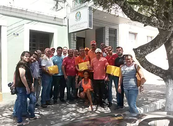 Em Umbuzeiro: Nivaldo e Nélio realizam a entrega do registro de candidatura à Justiça Eleitoral