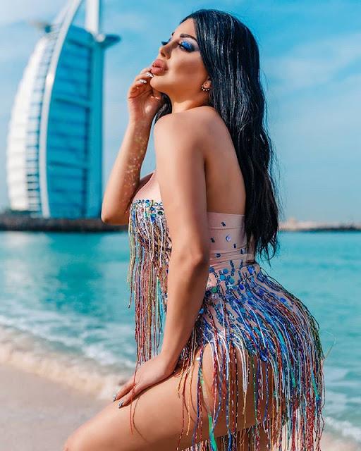 Rola Yammout Hot & Sexy Pics