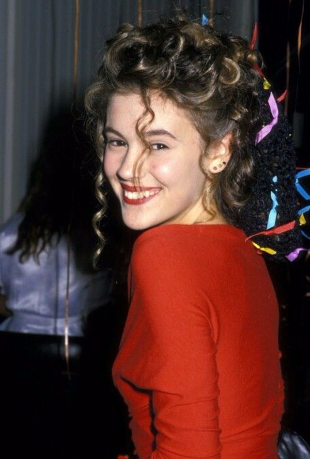 30 Fascinating Photos Of Alyssa Milano In The 1980s And