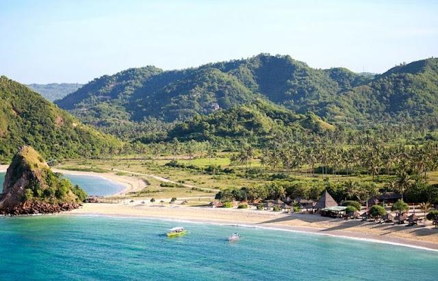 Bukit merese pantai Mandalika Beach Lombok