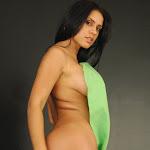 Andrea Rincon – Selena Spice – Cachetero Verde Foto 174