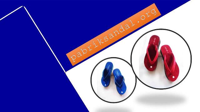 Produksi Wedges Bludru Wanita Terbaru dan Termurah - Pabrik Sandal GSJ