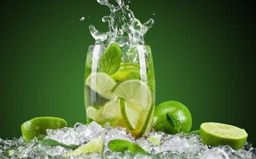 Chóng mặt nên dùng một cốc nước chanh