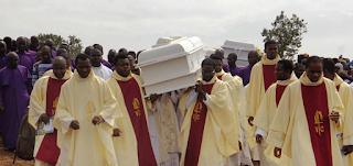 نيجيريا - خطف أو قُتل ما لا يقل عن 70 كاهنًا وراهبًا
