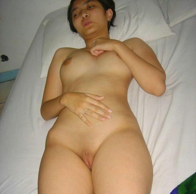 bottomless mature women image