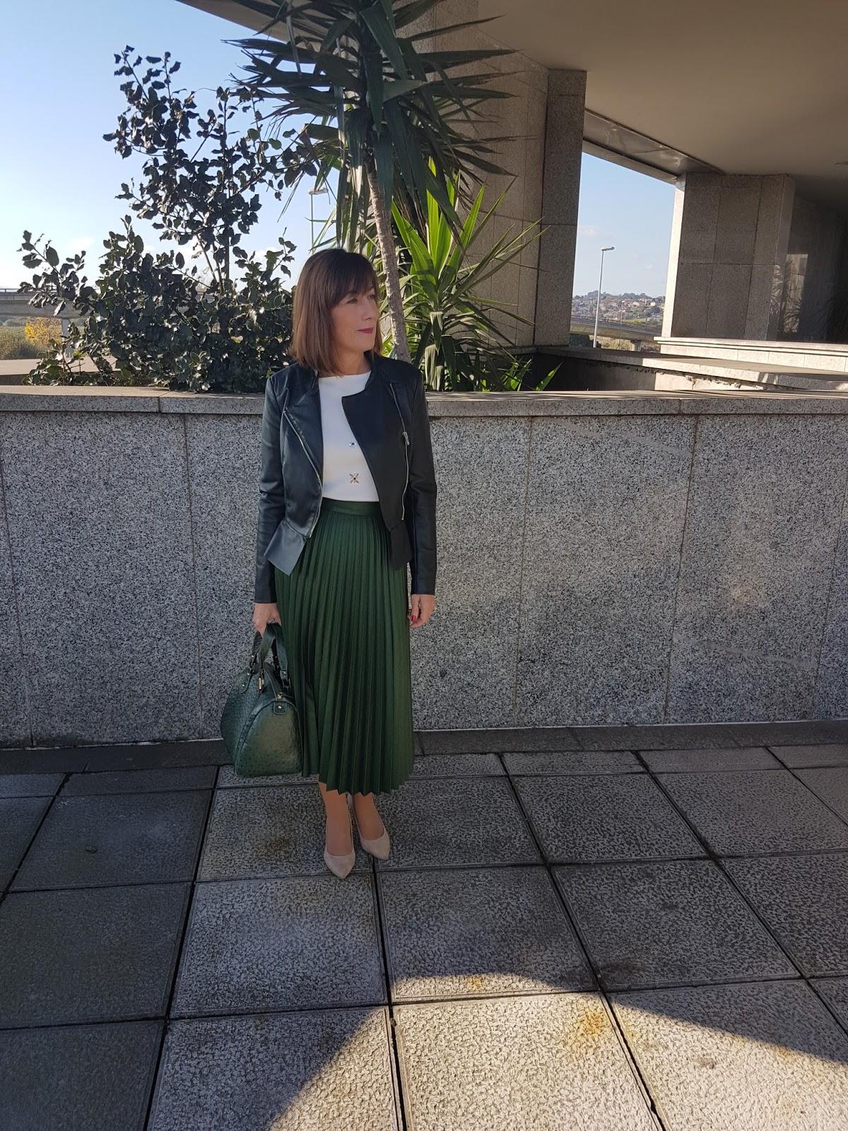 Br jula de estilo mis looks falda plisada verde - Brujula de estilo ...