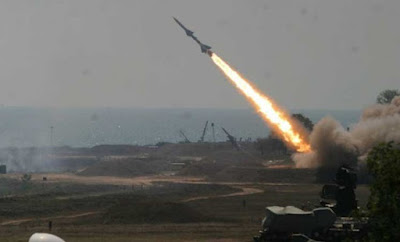 صاروخا باليستيا