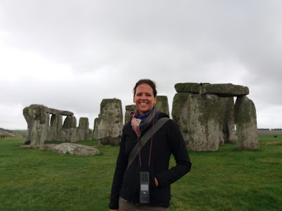 Photo of Ellis Derkx in front of the Stonehenge