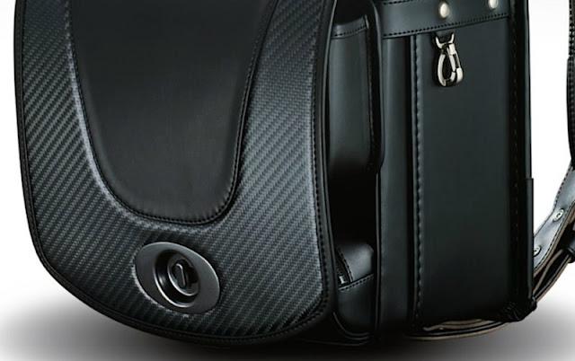 レクサスがLFAと同じカーボン素材を使った「究極のラグジュアリーランドセル」を発表!