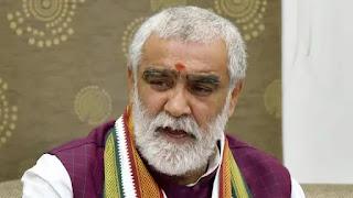 ashwini-chaube-tribute-mahanth-narendra-giri