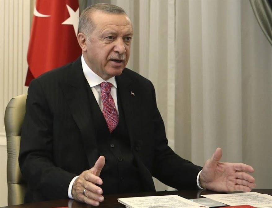 Ερντογάν: Ελπίζω η Γαλλία να απαλλαγεί από το «βάρος» του Μακρόν