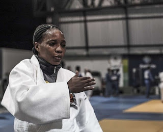 Yolande Mabika, a judoka from the Democratic Republic of the Congo, practices ahead of the 2016 Games in Rio de Janeiro, Brazil. © UNHCR/Kim Badawi