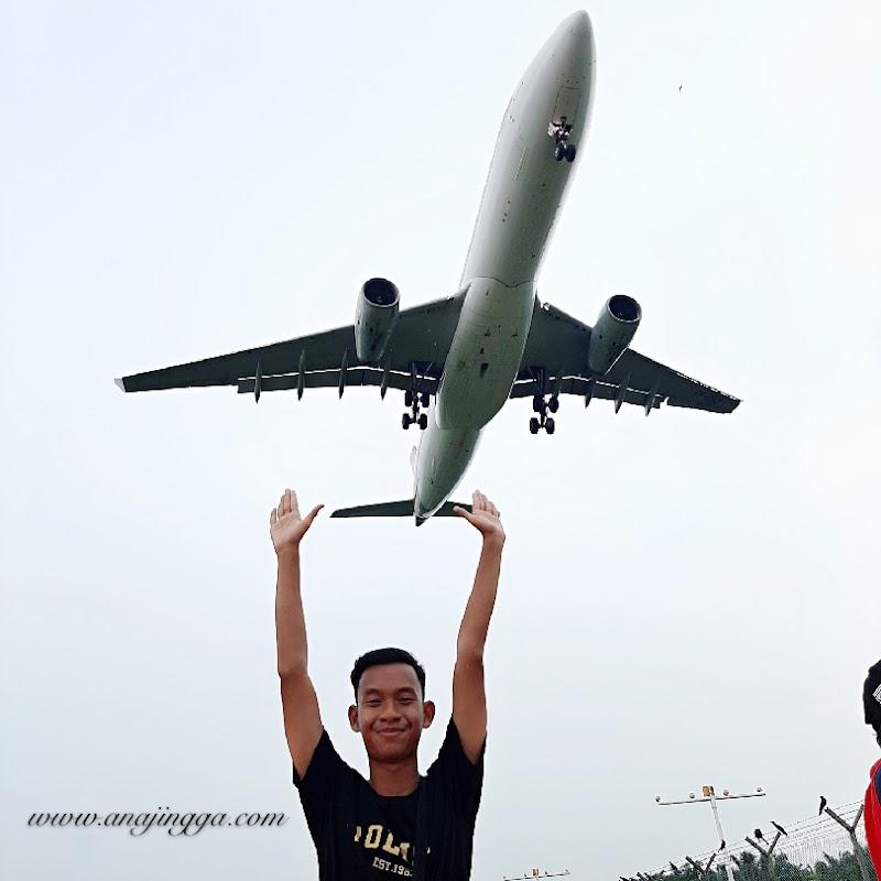 Lokasi bergambar dengan kapal terbang di KLIA