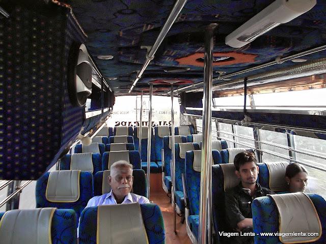 Meu primeiro ônibus indiano, à Pondcherry.