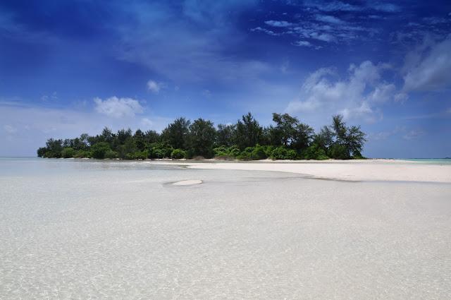 wisata alam pulau cemara