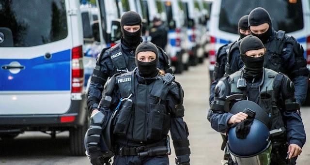 """اتهام ثلاثة لاجئين بالتخطيط لهجمات """"ارهابية"""" في ألمانيا"""