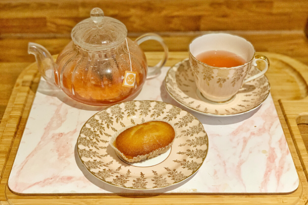 DietBon tea and Lemon cake