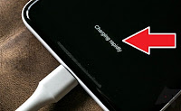 HINDARI KESALAHAN KETIKA CAS HP  Charge Smartphone - Pengguna Samartphone di Indonesia Kian menjamur. Pemakai Ponsel Pintar baik pengguna Android maupun Iphone berbagai kalangan dan golongan begitu banyak, tak terhitung nama merek dan tipe Ponsel di indonesia.  Tak di Pungkiri, ponsel pintar memainkan peran besar dalam kehidupan sehari hari di zaman maju ini. Kebutuhan ponsel yang harus ada setiap saat sudah menjadi kebutuhan pokok dunia Digital Teknologi masa kini.   Banyak pertanyaan seputar Gadget seperti Kesalahan apa dan bagaimana Cas baterai yang perlu di hindari. Beberpa Kesalahan proses charging Smartphone tentu harus di perhatikan, Karena sangat Penting untuk menjaga agar awet dan tidak mudah rusak.