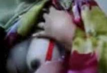 Gadis Berjilbab Pamer Susu