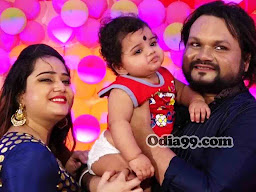 Human Sagar wife daughter family photo