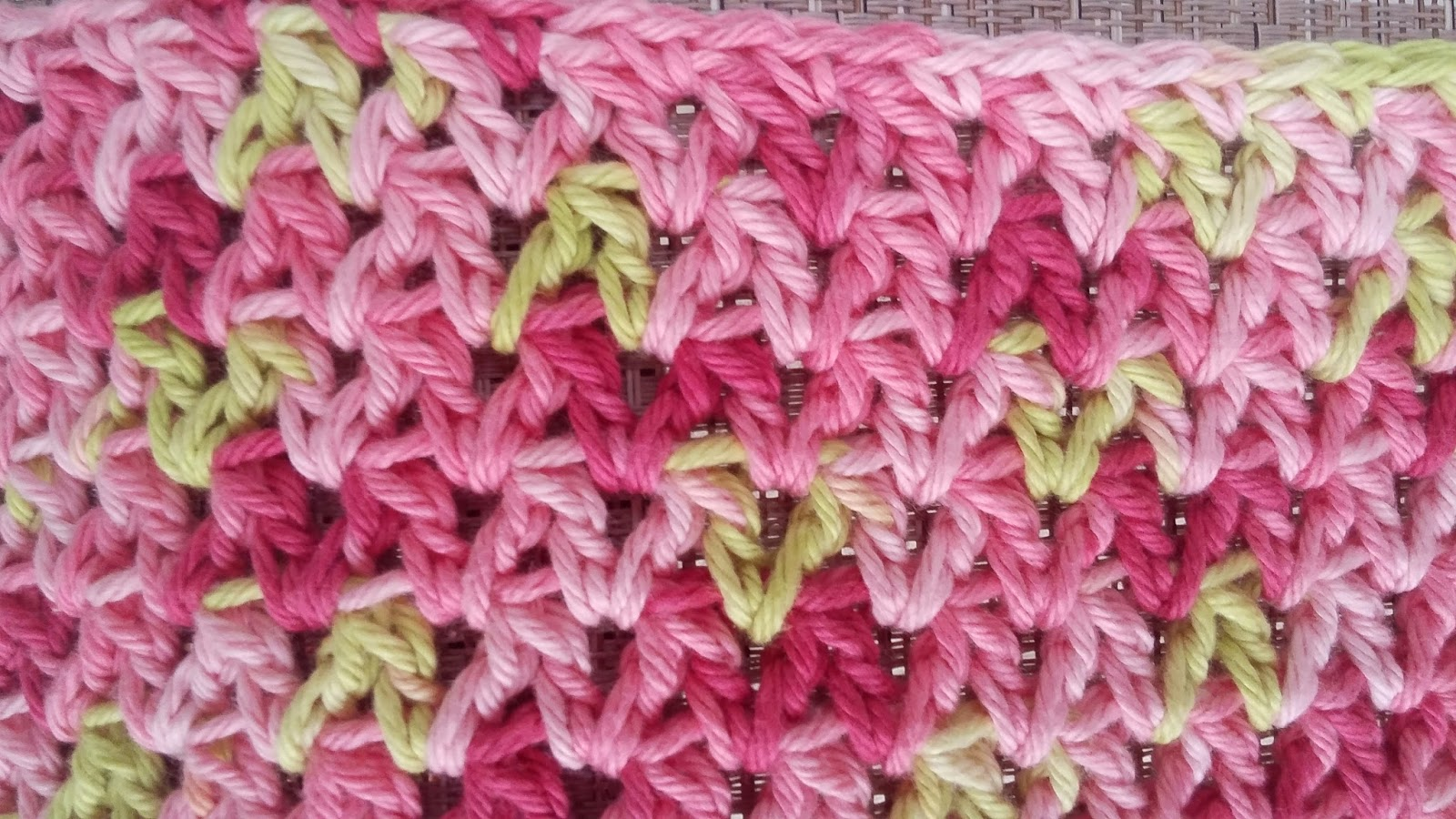 Tw-In Stitches: Wobbly Squares Blanket in Variegated Yarn | Tw-In ...